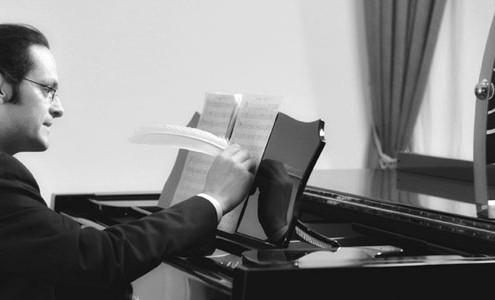 Tobias Forster beim Komponieren