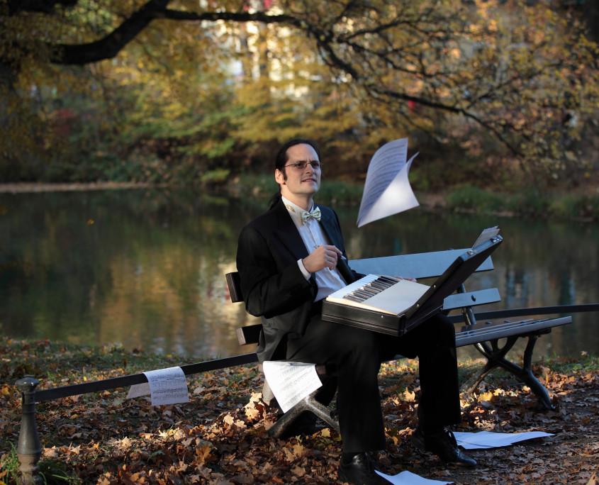 Pianist Tobias Forster, Pressefoto Querformat